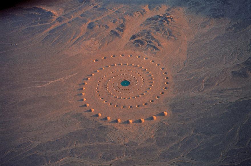 """Umjetnička instalacija """"Dah pustinje"""" u Sahari"""