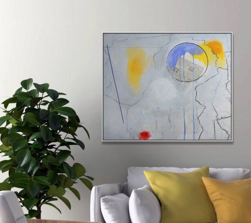 Apstraktna bijela umjetnička slika na zidu iznad sofe